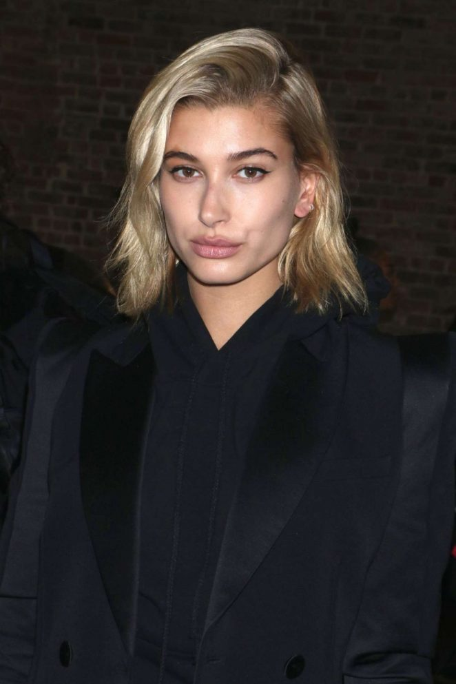 Hailey Baldwin Latest Hot Photos