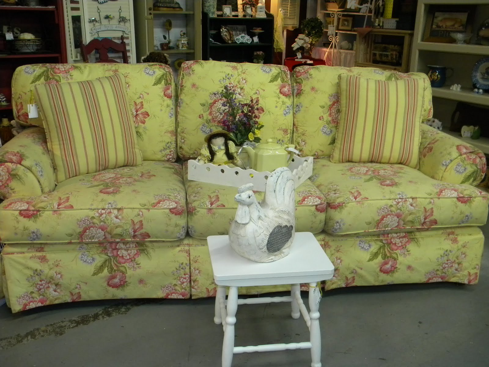Shabby Chic Sofa Bed Uk Queen Size Sleeper Sectional Sofas Clutter Bugs Boutique Is It Or Country Cottage