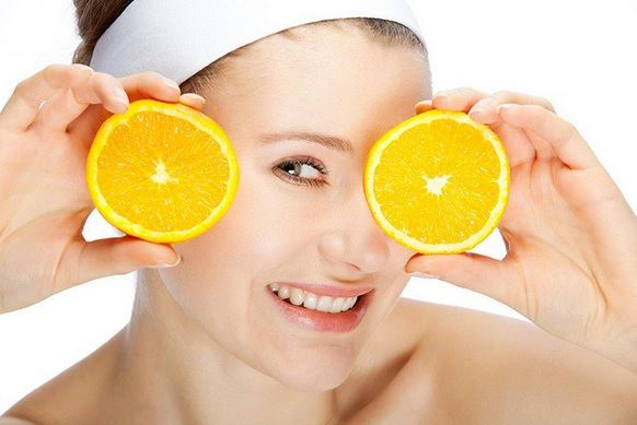 Memutihkan Wajah Secara Alami dengan Jeruk Lemon
