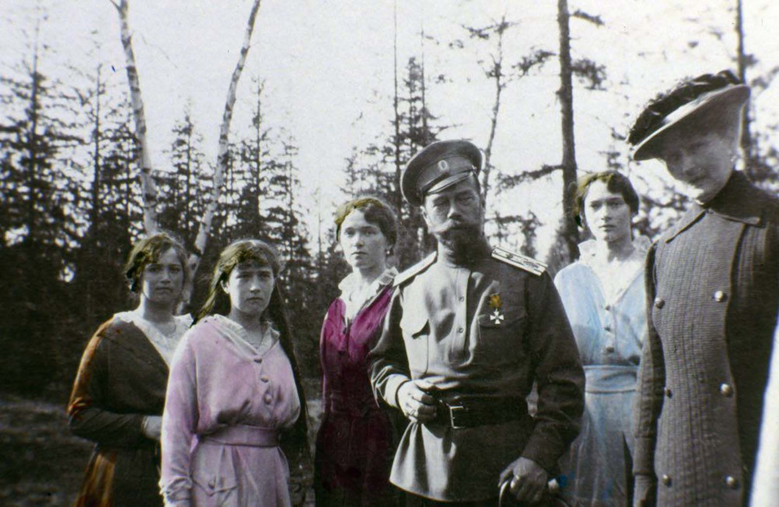 Tsar Nicholas II with daughters (left to right) Maria, Anastasia, Olga and Tatiana Romanov.
