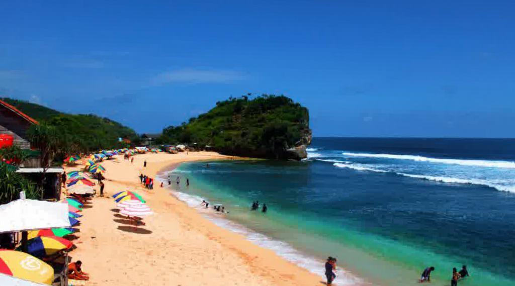 wisata pantai indah alam manis Pantai Indrayanti