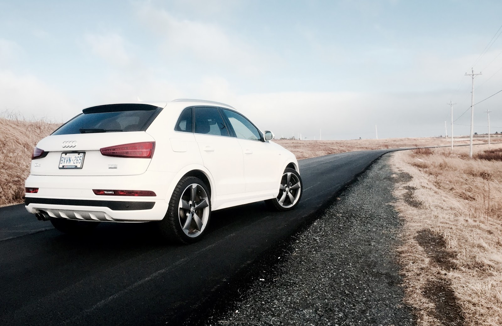 2016 audi q3 quattro technik review audi bookends its best selling q5 with an entry level. Black Bedroom Furniture Sets. Home Design Ideas
