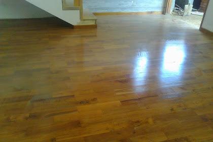 Memasang flooring kayu jati solid