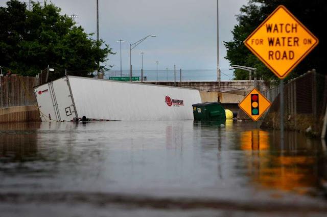 EPIC FLOODING ~ Houston & Chile 920x920