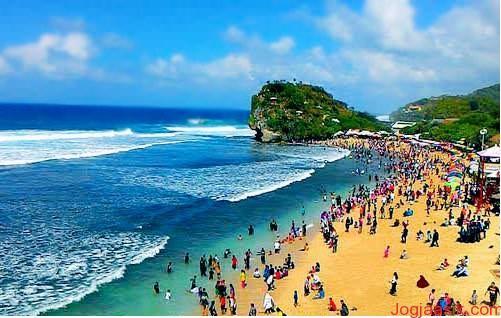 Pesona Pantai Indrayanti di Wonosari Yogyakarta - Travel ...