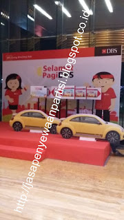 Backdrop dan Maja Display