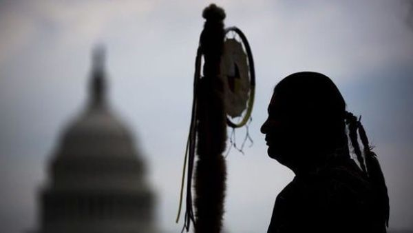 Mantienen ley que impide derecho al voto a indígenas en EE.UU.