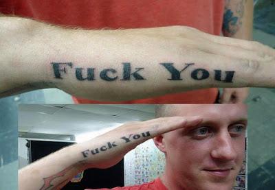 Witzige Tattoos - Militärischer Gruß