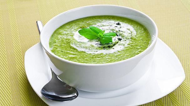 soupe minceur pour maigrir en 7 jours une recette aux choux d tox et brule graisse. Black Bedroom Furniture Sets. Home Design Ideas