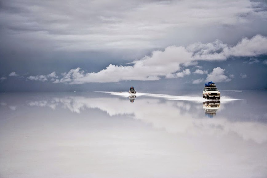 1. Salar de Uyuni - Bolivia - 27 Amazing Travel Photos That Will Infect You With The Travel Bug