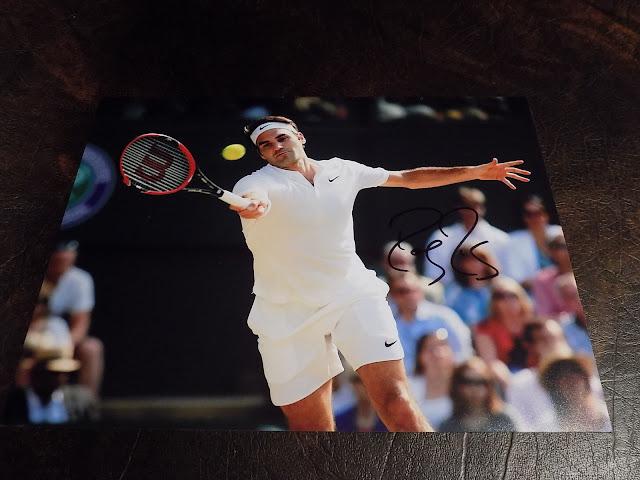 روجر فيدرر لاعب التنس محترف سويسري بطاقة مع توقيع