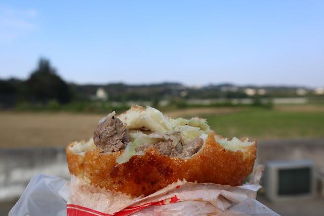 IMG 7726 - 【竹南美食】永貞路中華電信前的好吃蔥油餅,就連食尚玩家也推薦,當地人的最愛的下午點心,旁邊的餡之香也是一級棒!