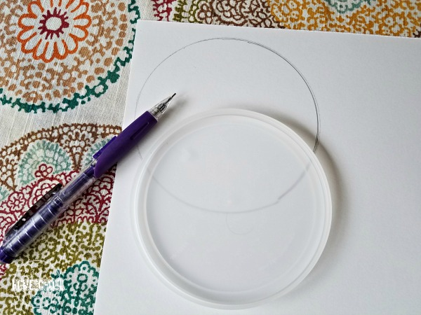 trace a circle on cardstock