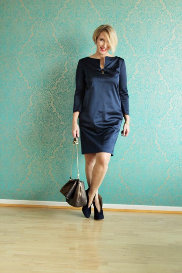 Kleid Stiefeletten Kombinieren : outfit kleid mit stiefeletten glam up your lifestyle ~ Frokenaadalensverden.com Haus und Dekorationen