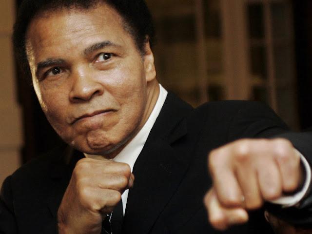 Aos 74 anos, morre ex-campeão de boxe peso-pesado Muhammad Ali de choque séptico