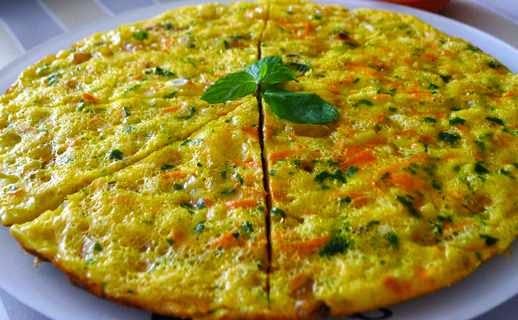 reteta omleta la cuptor cu cartofi si mozzarella