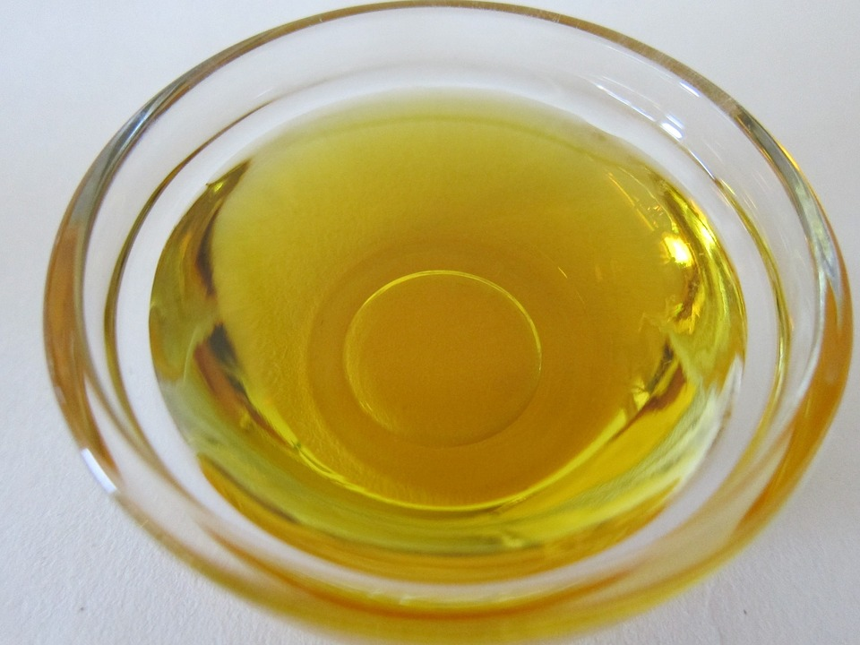 Almond Oil for DIY Restorative Egg Mask Pixibay Image