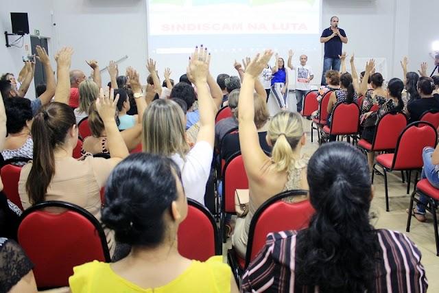 Servidores rejeitam proposta da Prefeitura e aprovam estado de greve