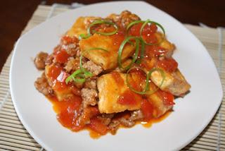 Cách làm món thịt lợn sốt đậu phụ cà chua ngon cơm đến lạ