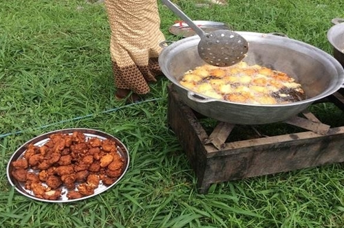How I Make N150,000 Monthly Sales From 'Akara' Business - Elderly Widow Reveals