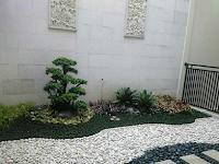 Spesialis pembuatan taman Jombang | tukang taman Bojonegoro | tukang taman Tuban | vertical garden Bojonegoro | dekorasi tebing | relief taman | batu ampyang Tuban | Kolam koi minimalis