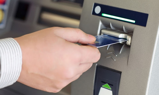 Why you should mistreat (a little) the ATM before you withdraw money