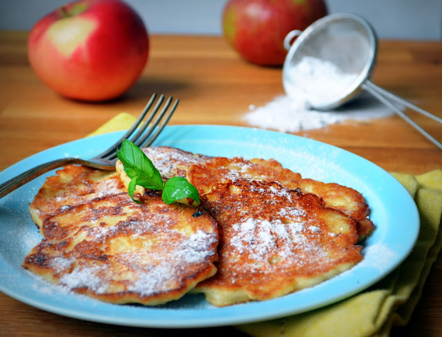 placki-z-jab%C5%82kami1 Placuszki z jabłkami