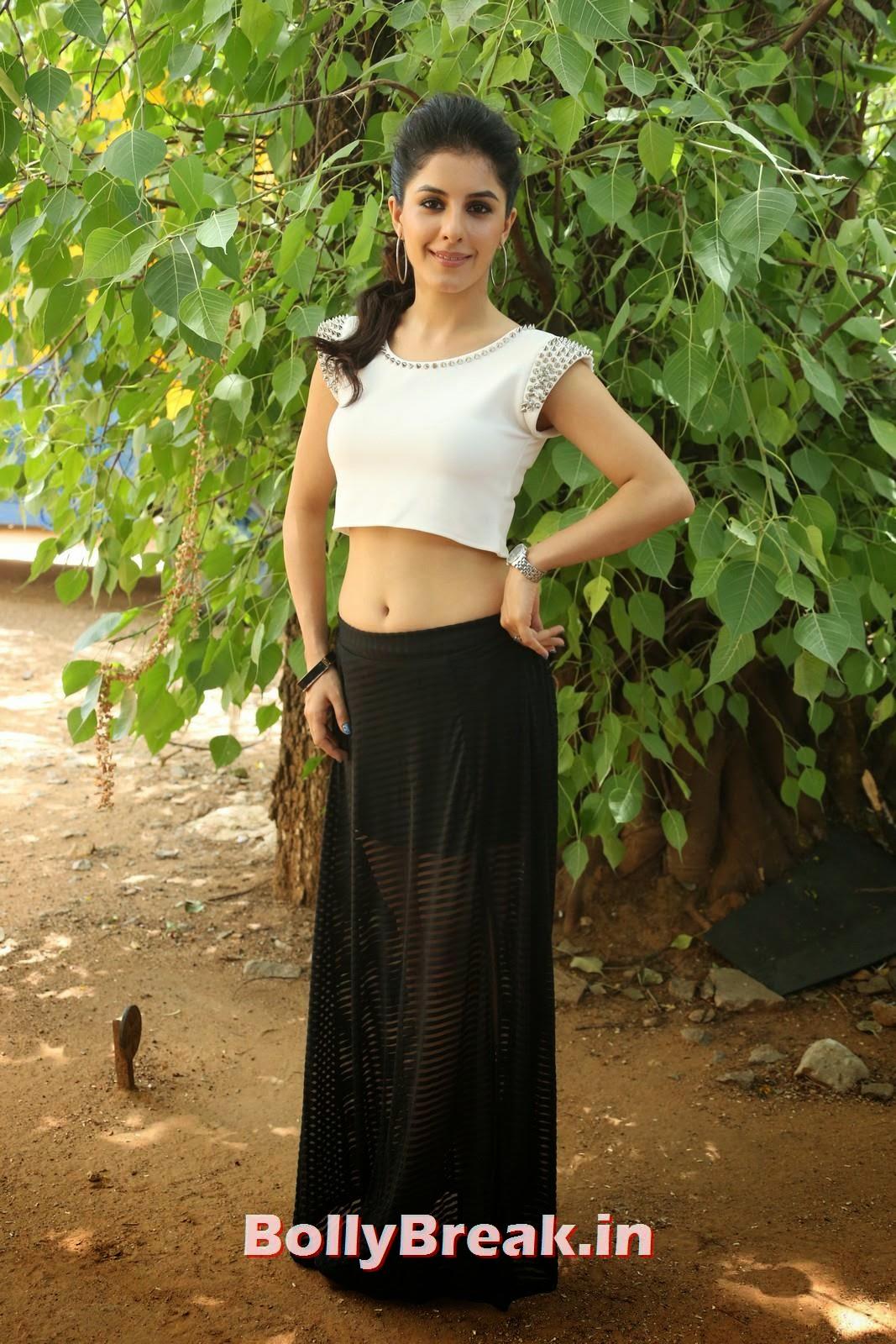 Isha Talwar (29), Isha Talwar Pics in Tank Top - Navel Pics - Bollybreak Glam Actress of the Day