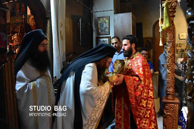 Τέσσερα μικροτεμάχια της Τιμίας Ζώνης της Θεοτόκου στην Ελλάδα https://leipsanothiki.blogspot.be/