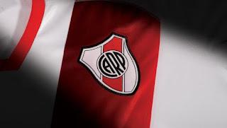 River, River Plate, camiseta, degradé, banda roja,