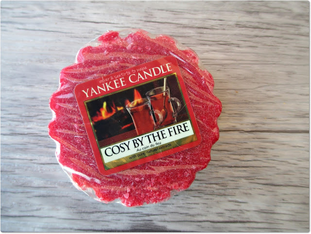Yankee Candle - Cosy By The Fire