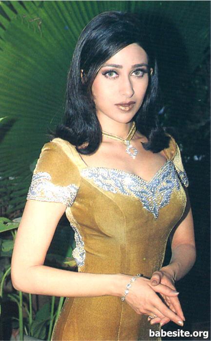 Karishma Kapoor 3  Hot-Celebs-Wallpapers-1295