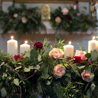 composizione floreale chiesa matrimonio