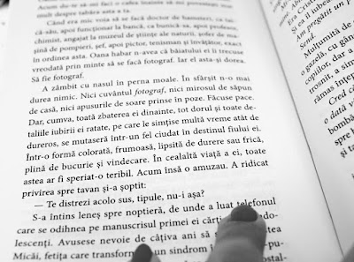 Ziua in care la capatul celalalt al iubirii n-a mai fost nimeni, de Ioana Chicet-Macoveiciuc. Recenzie.