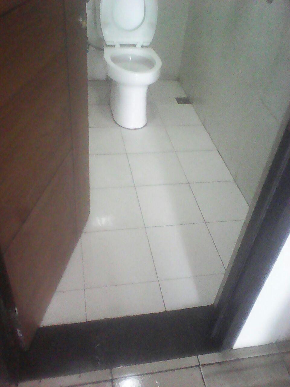 JASA CLEANING TOILET DI BANDUNG  Poles Marmer Bandung