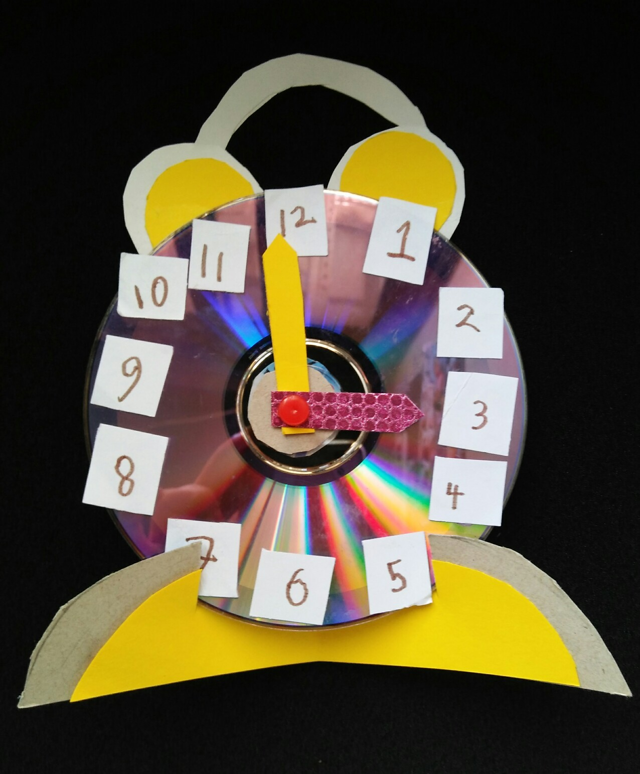 Life 39 s little treasures kids play clock using old cd for Useful best out of waste