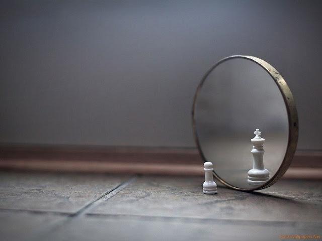 Ego merupakan sifat dan eksklusif seseorang yang menganggap dirinya lebih dari orang lain Sifat Buruk Yang Dianggap Normal