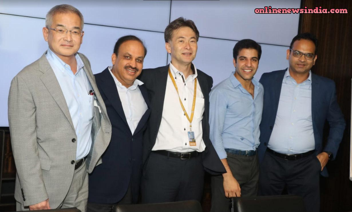 Second from left Pankaj M Munjal, Chairman, HMC, A Hero Motor Company and second from right, Aditya Munjal, Director, HEXA, A last-mile connectivity solutions provider/startup arm of HMC (Hero Motors Company)