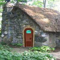 GFG Forest House Bunny Es…