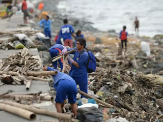 Heavy typhoon hit northern Philippine forcing thousands to evacuate