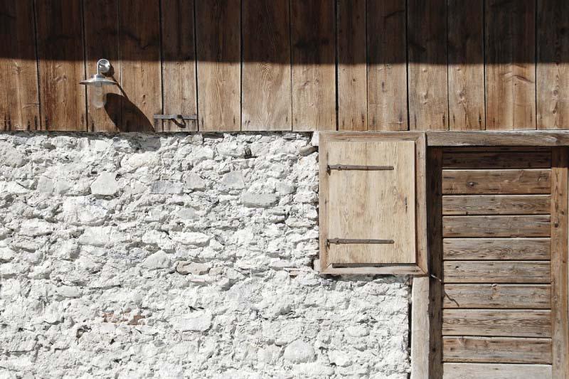 Ristrutturazione e conversione di un fabbricato rurale