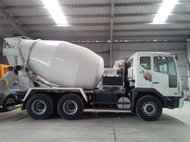 Xe bồn trộn bê tông Daewoo 7,3 khối