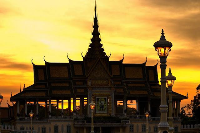 Trải nghiệm du lịch Campuchia mua sắm ở chợ đêm Angkor