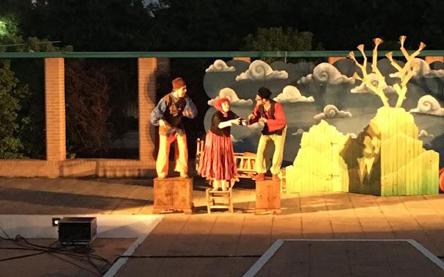 Actuacion teatral en el parque. IMAGEN ILLESCAS COMUNICACIÓN