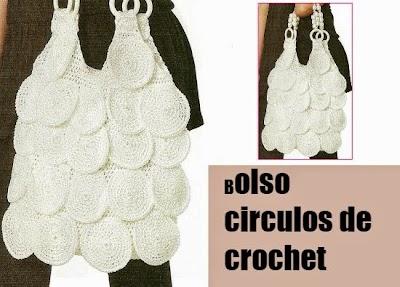 Bolso con circulos y asas de abalorios con anillas