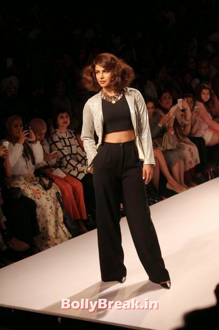 , Priyanka Chopra Lakme Fashion Week 2014 Finale Pics