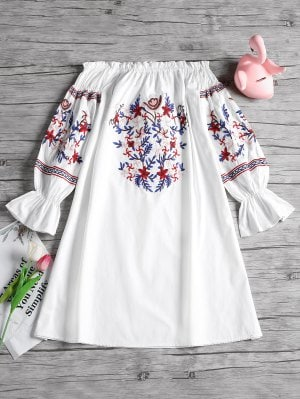 https://www.zaful.com/off-shoulder-ruffles-floral-patched-dress-p_504669.html?lkid=11389626