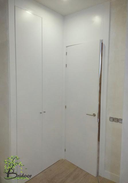 Vivienda lacada con puertas y armarios en C/Pelayo