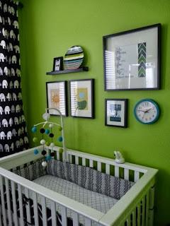 Cuarto de bebé en verde y blanco