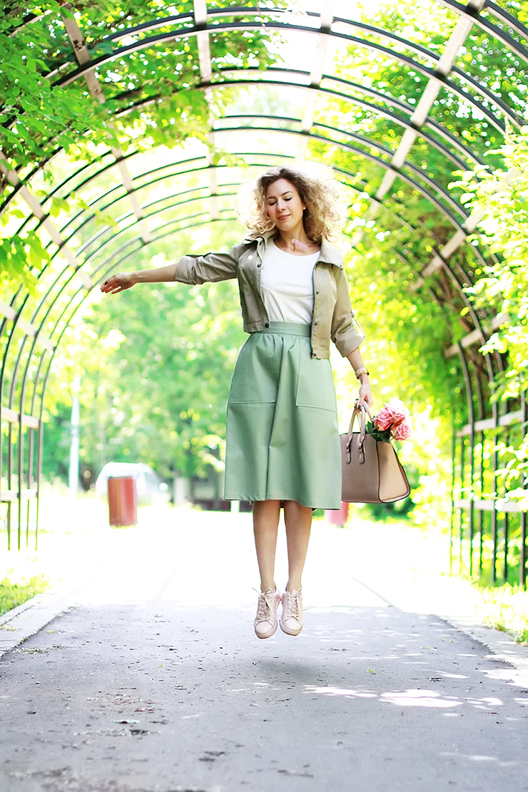 margarita_maslova_rose_quartz_sneakers_green_midi_skirt